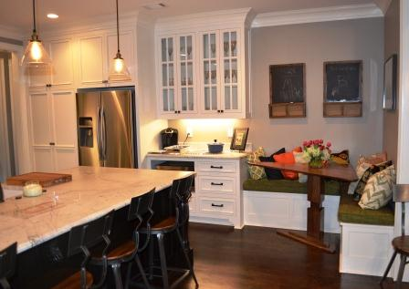 Kitchen Island & Breakfast Nook